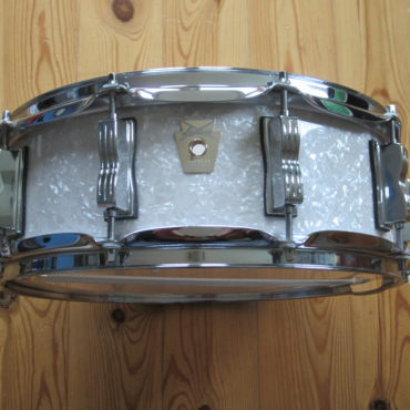 Ludwig LS401 Classic Maple 14×5 White Marine Pearl