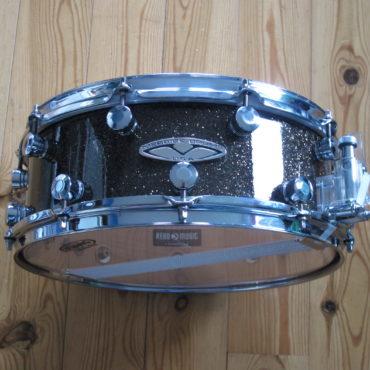 Merrick USA 14x5 black/gold sparkle finishply